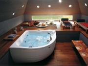 Современный дизайн ванной: стеклянная сантехника