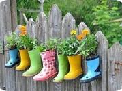 Веселое оформление садового участка