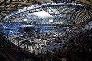 Крытые футбольные стадионы со светопрозрачным покрытием .       .  .
