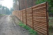 Металл или дерево? Из чего поставить забор?