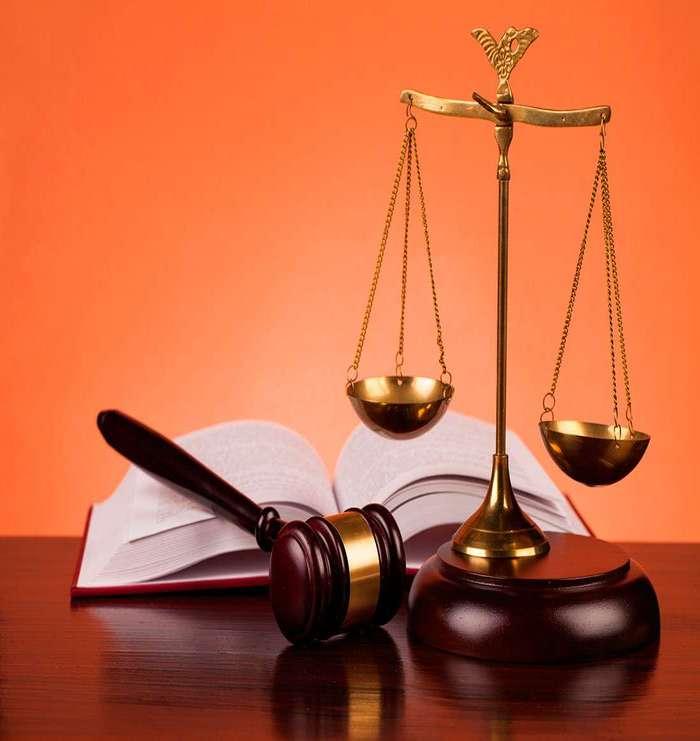 Юридическая компания По праву